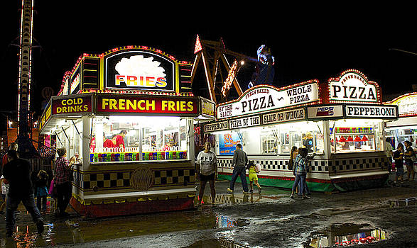 Venetia Featherstone-Witty - Hilo Fair At Night