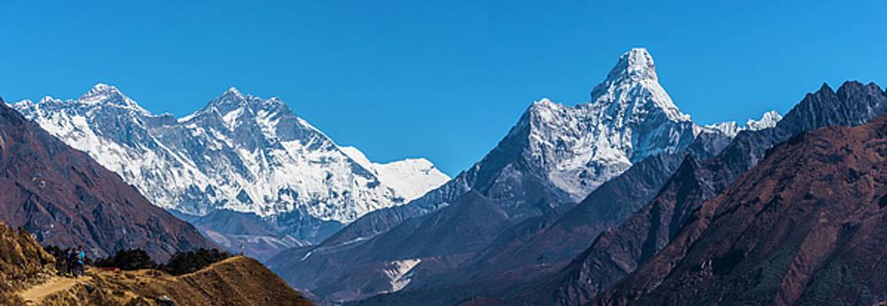 Himalayan Peaks En Route To Base Camp by Owen Weber