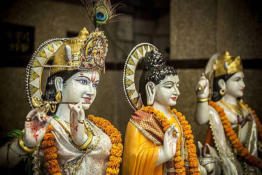 Hinduism statues by Azad Pirayandeh