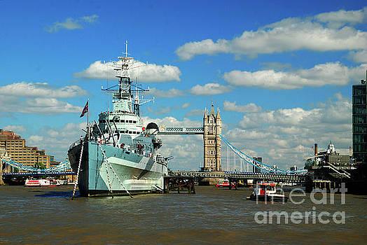 HMS Belfast by Richard Gibb