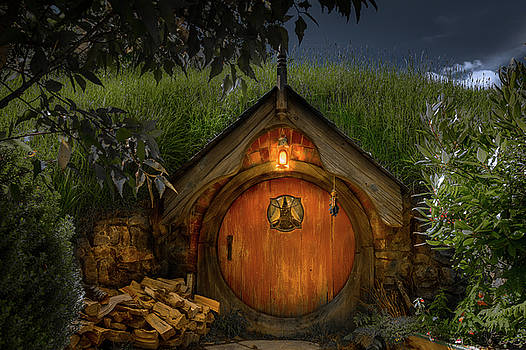 Hobbit Dwelling by Racheal Christian