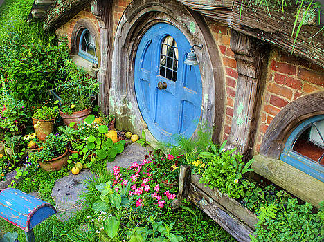 Venetia Featherstone-Witty - Hobbit Cottage and Garden