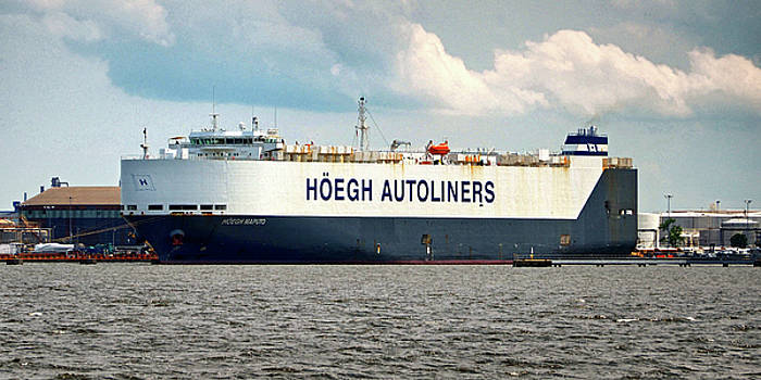 Hoegh Autoliners Heogh Maputo 9431850 at Curtis Bay by Bill Swartwout Fine Art Photography