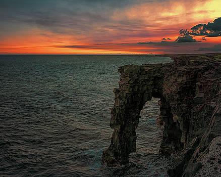Susan Rissi Tregoning - Holei Sea Arch