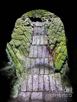 Lexa Harpell - Holy Island Lime Kilns 1