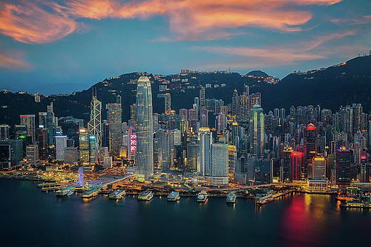 Hongkong city skyline by Anek Suwannaphoom