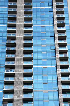 Ramunas Bruzas - Honolulu Blue Apartments
