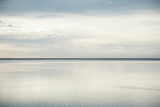 Horizon Flow by Zina Zinchik