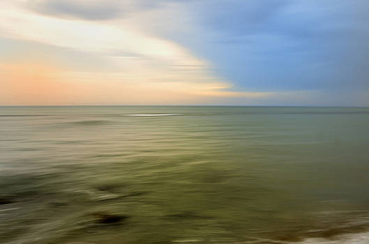 Horizon by Luigi Inzeo