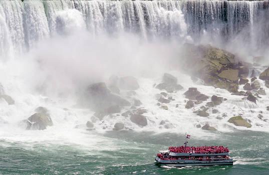 Garvin Hunter - Hornblower - Niagara Wonder