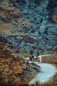 Marc Daly - Horse riders at Mahon Falls