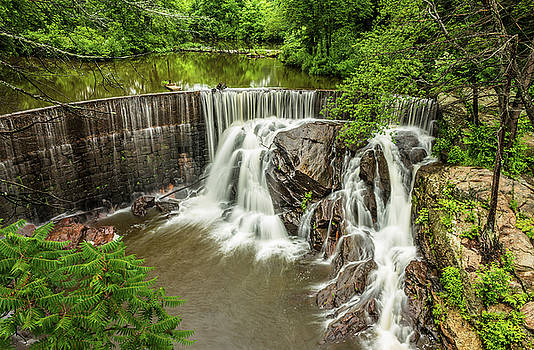 Horseshoe Falls, Pequabuck Connecticut by Skyelyte Photography by Linda Rasch