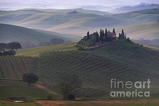 House in Tuscany in the morning fog by IPics Photography