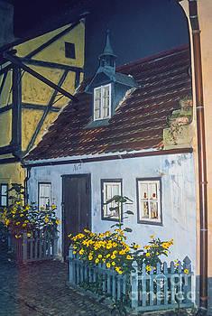 Bob Phillips - House on Golden Lane