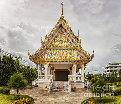 Sophie McAulay - Hua Hin Buddhist temple