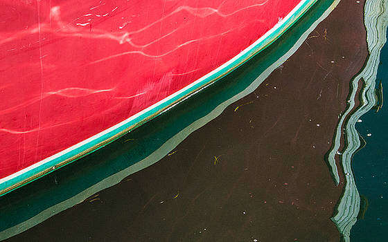 Hull - Red and Green Angle by George Salter