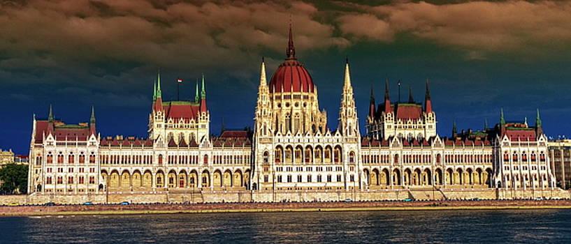 Elenarts - Elena Duvernay photo - Hungarian Parliament Building in Budapest, Hungary