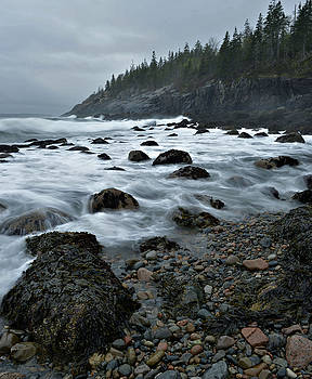 Stormy Day At Hunters Beach by Stephen  Vecchiotti