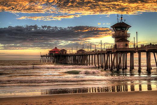 Huntington Beach Pier The Last Set by Zoe Schumacher