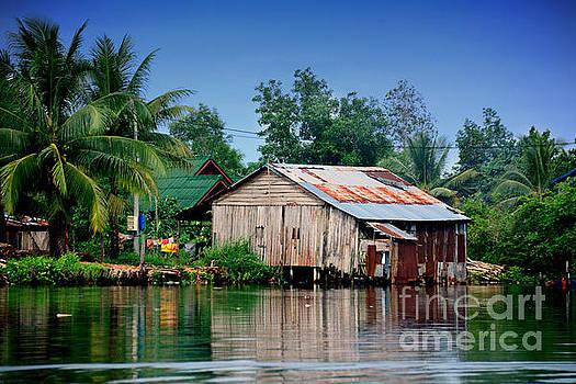 Hut in Ream,Cambodia by Mirko Dabic