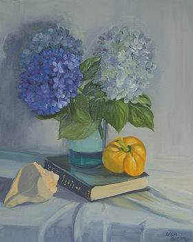 Hydrangea with Conch Shell by Lisa Godfrey