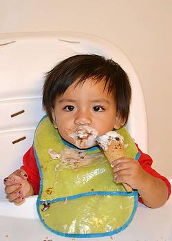 Pau - Ice Cream Face