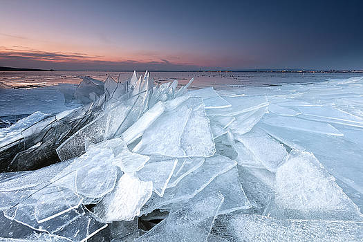 Ice by Evgeni Dinev