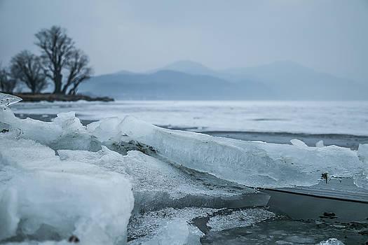 Ice On The Lake by Hyuntae Kim