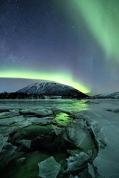Ice reflection IV by Frank Olsen