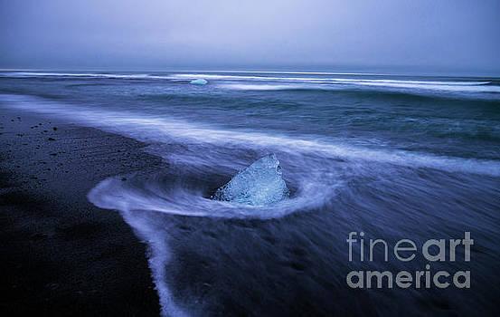 Iceland Beach Jewel by Mike Reid
