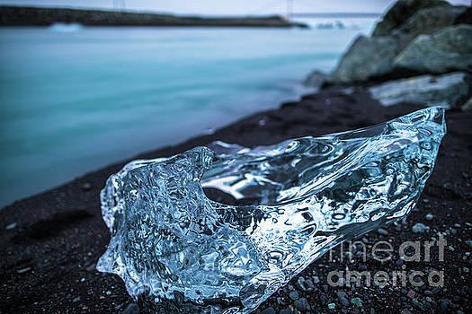 Iceland Frozen Beauty by Mike Reid