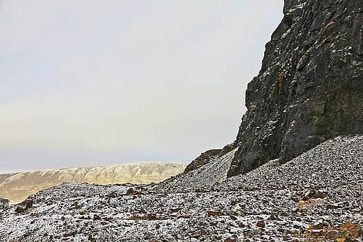 Iceland Mid-Atlantic Ridge looking towards Europe Iceland 2 2142018 1741.jpg by David Frederick