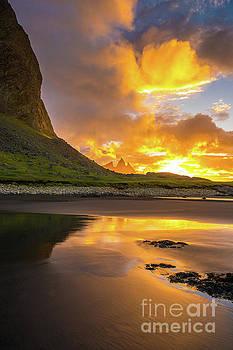 Iceland Stokksnes Vestrahorn Sunrise by Mike Reid