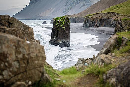 Francesco Riccardo Iacomino - Iceland, Vik Coastline