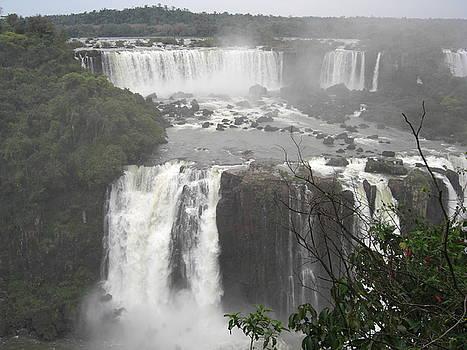 Iguassu Falls by Paul Jessop