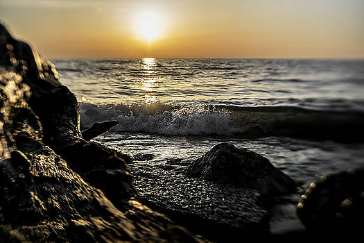 Illinois Beach State park at sunrise by Sven Brogren