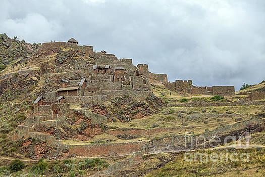 Patricia Hofmeester - Inca ruins in Pisac