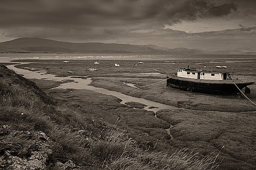 Incoming Tide by Keith Elliott