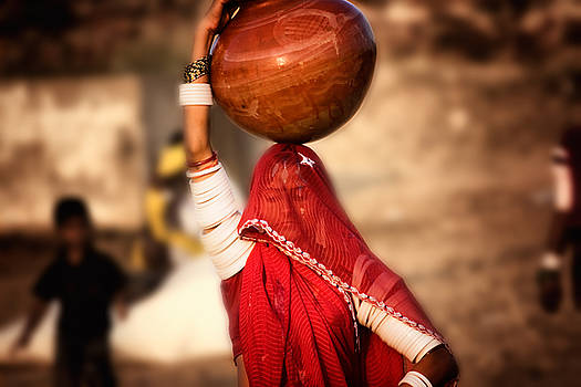 Neville Bulsara - India Woman in traditional attire Pushkar Camel Fair  Rajasthan