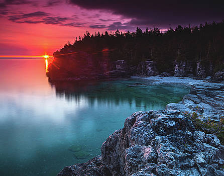 Indian Head Cove Sunrise Flare by Cale Best