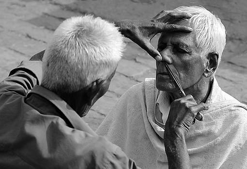 Prakash Ghai - Indian Street Barber Image 2