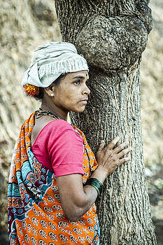 Indian Woman by Azad Pirayandeh