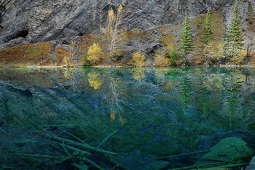 Reimar Gaertner - Indigo blue waters of Grassi Lakes under Rundle Mountain East