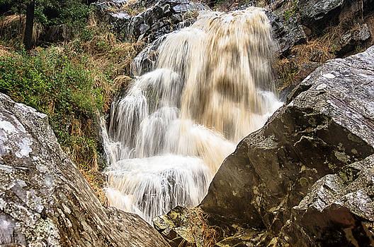 Ingalalla Falls 2 by Grant Petras