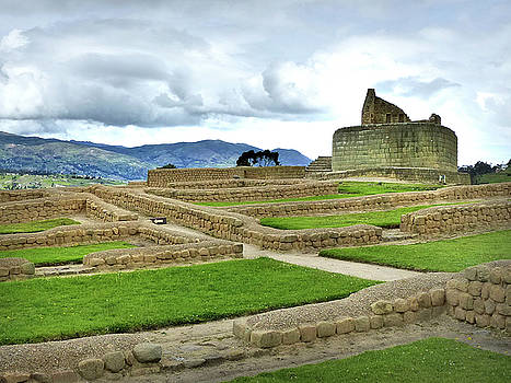 Ingapirca Incan Ruins 53 by Jeff Brunton