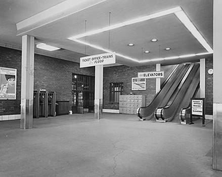 Chicago and North Western Historical Society - Inside Chicago Terminal - 1961