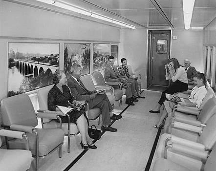 Chicago and North Western Historical Society - Inside Lounge Car - 1958