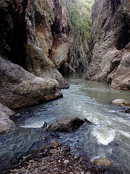 Inside Somoto Canyon by Jesus