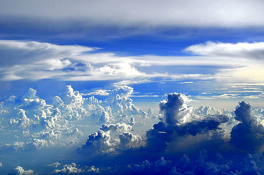 Bliss Of Art - Interacting Clouds