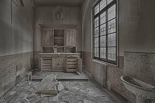Enrico Pelos - INTERIOR FURNITURE ATMOSPHERE of Abandoned Places dig photo